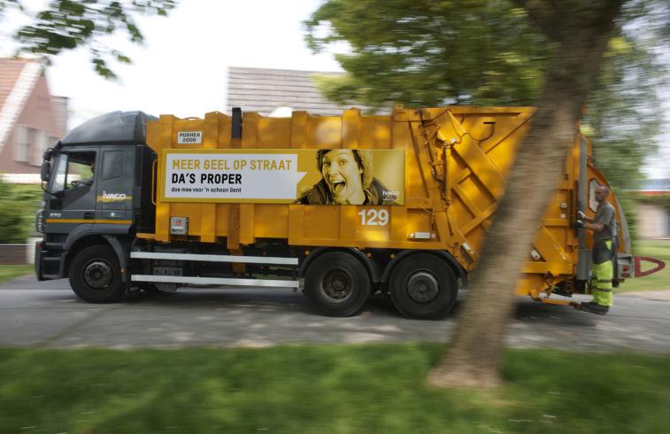 Meer geel op straat_vrachtwagen